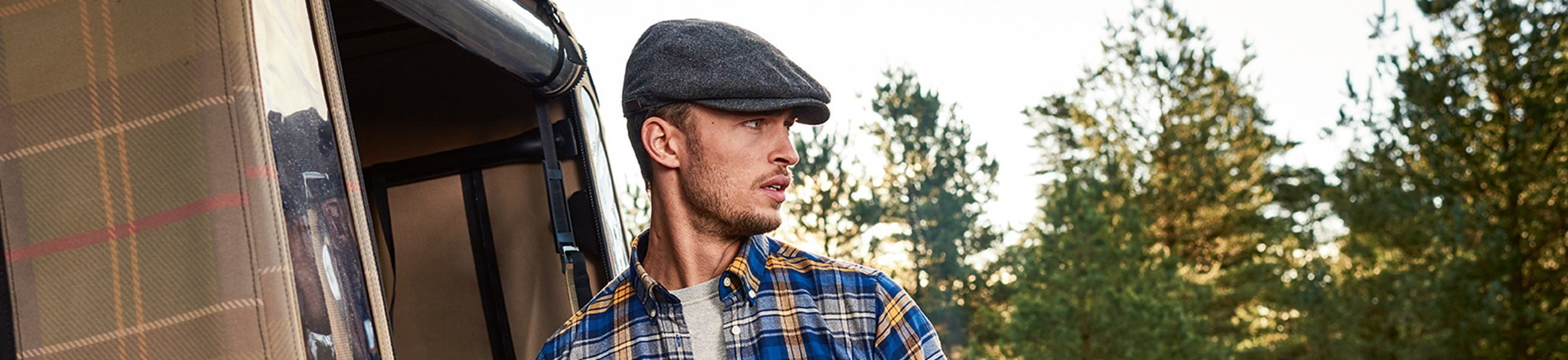 Men\'s caps & hats at Suitable ✔ Different colours and fits ✔ Brands like Levi\'s, Superdry, Tommy Hilfiger, Barbour, Napapijri and more ✔ Shop onlines