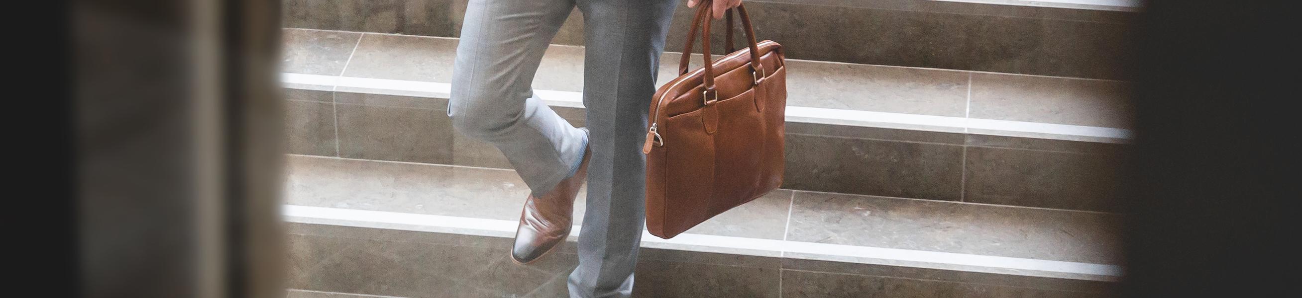 Vollenden Sie Ihren Look mit dem passenden Gürtel ✔ u.a. Leder, Wildleder und geflochten in vielen Marken ✔ Schnelle Lieferung ✔ Trusted Shops 4.8/5 (+1000 Bewertungen)