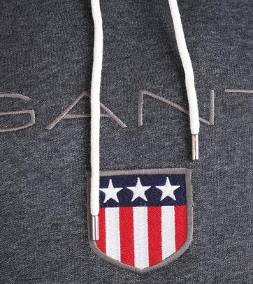 Detail Gant Hoodie Shield Donkergrijs