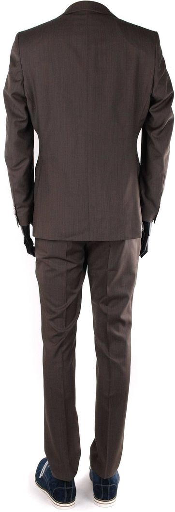 Suitable Brown suit Deveania