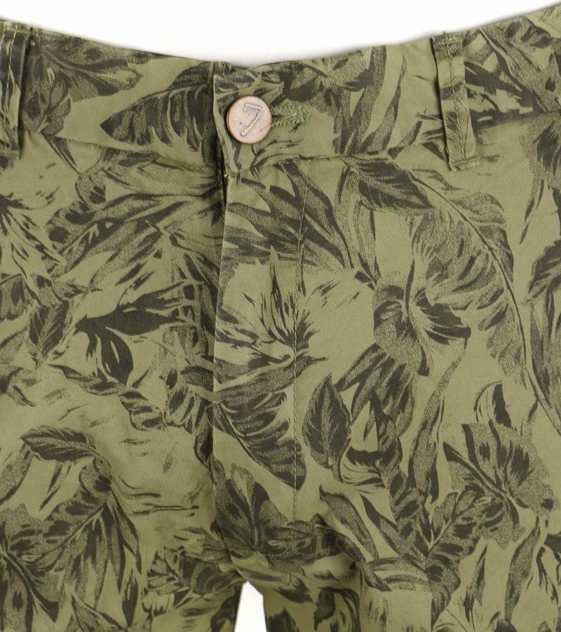 Basic Shorts Green Print photo 2