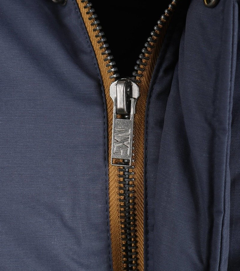 Detail No-Excess Fishtail Parka Donkerblauw