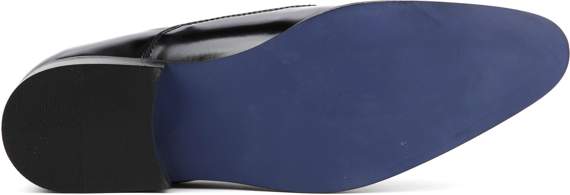 Suitable Black Lacquer Shoes photo 4