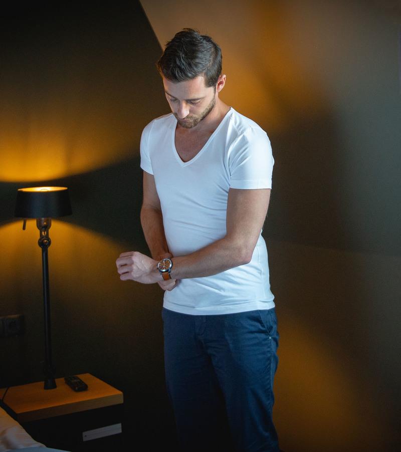 T-Shirt Tiefer V-Ausschnitt 4er Pack Stretch Weiß Foto 6