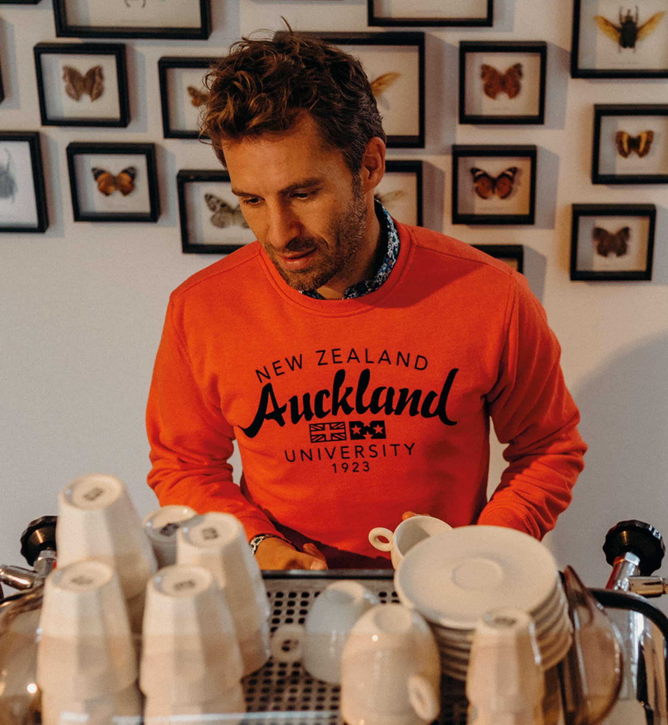 NZA Sweater Orange Logo foto 1